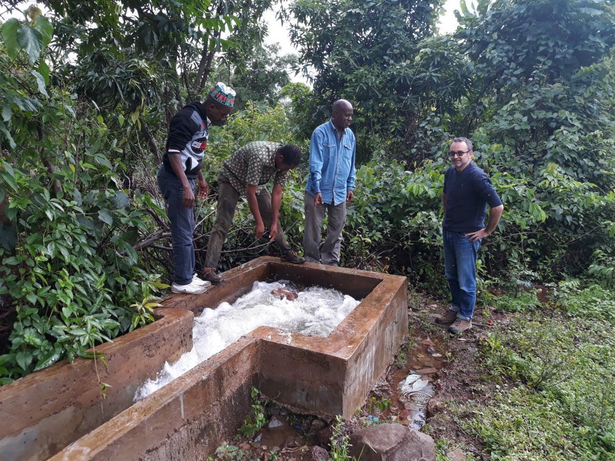 Suivi de l'AOI pour le projet d'approvisionnement en eau potable en Guinée utilisant des petites unités de traitement d'eau de surface