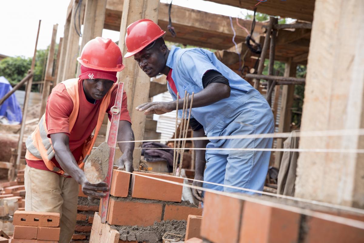 Formation à la mise en œuvre de briques modernes au profit des Centres d'Enseignement des Métiers au Burundi