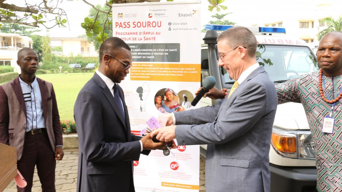 Renforcement du système de santé au Bénin : 10 Ambulances mises à la disposition du Ministère de la Santé