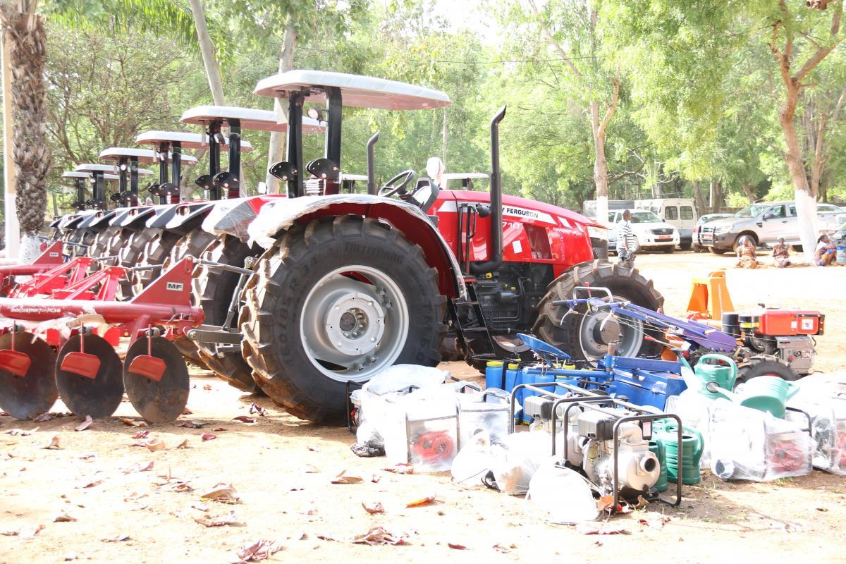 Enabel au Bénin accompagne la politique de  mécanisation agricole du Gouvernement du Bénin