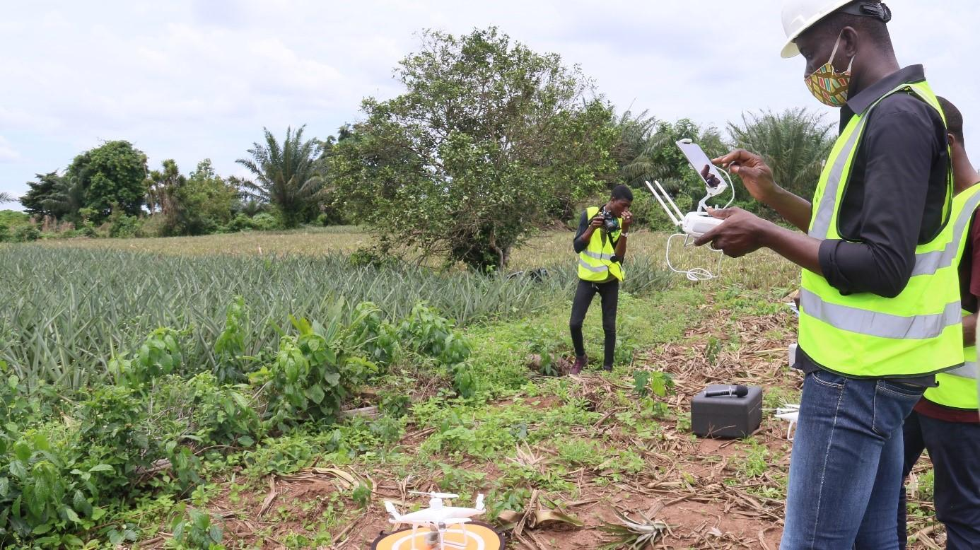 Manipulation des drones et interprétation des données : des agents de conseil agricole et de contrôle outillés !