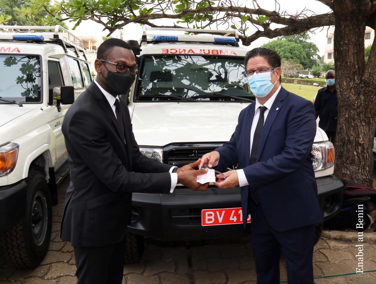Nouvel appui de la France au Bénin en soutien au plan national de riposte contre la Covid-19 Un deuxième lot d'équipements remis au ministère de la sa