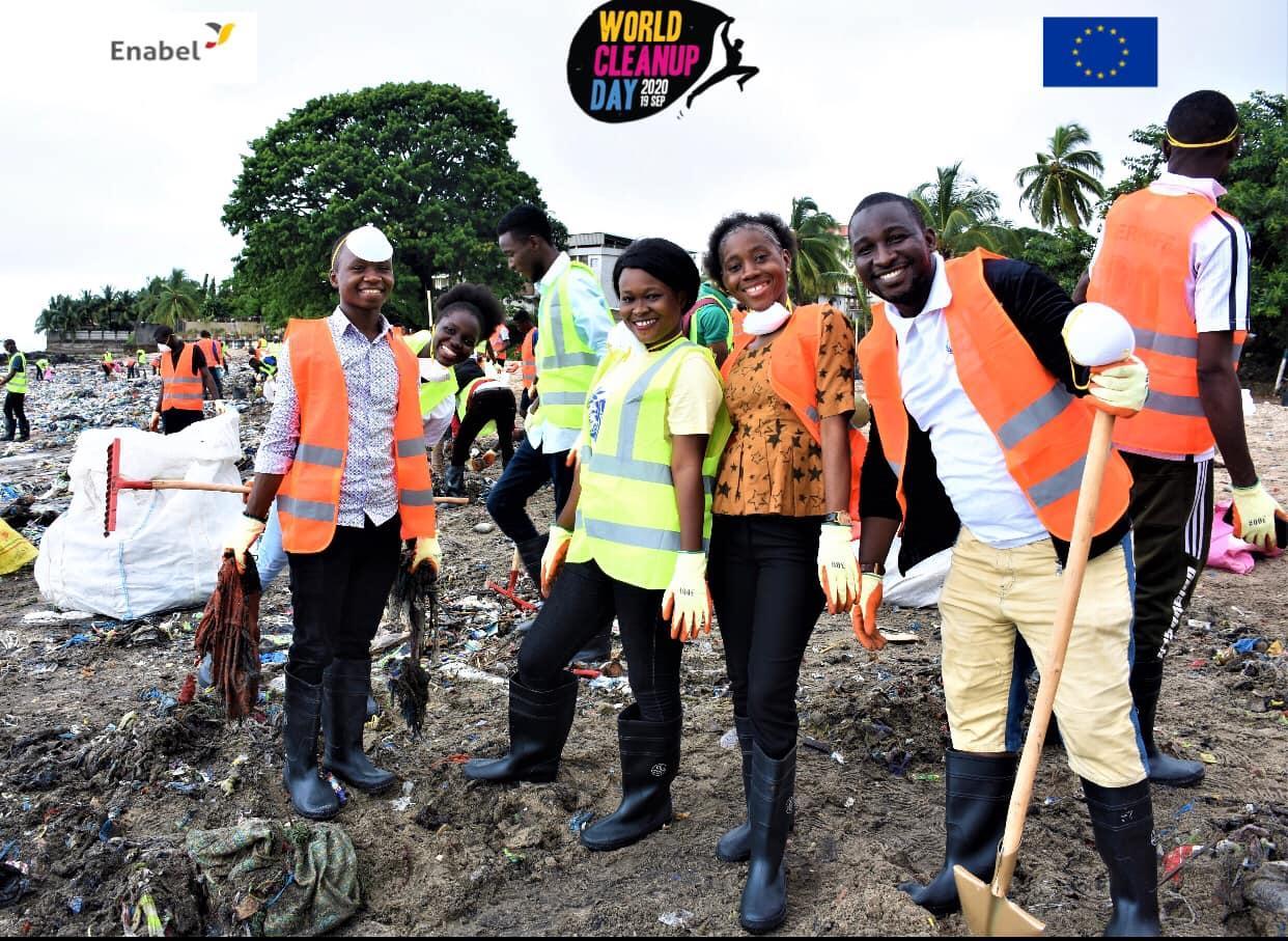 World Clean Up Day en Guinée : Sanita villes propres collabore avec les partenaires locaux