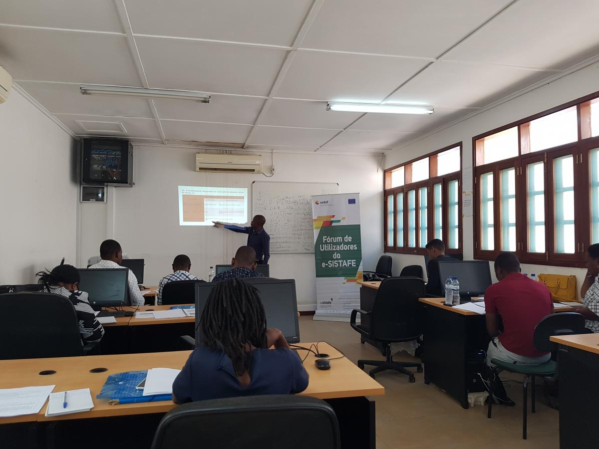 Fostering decentralization of public financial management through capital and skills investment: e-SISTAFE workshop for accountants in the rural distr