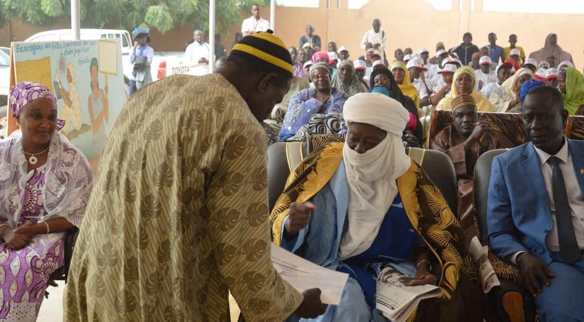 Un leader engagé en faveur de la scolarisation de la jeune fille dans sa communauté