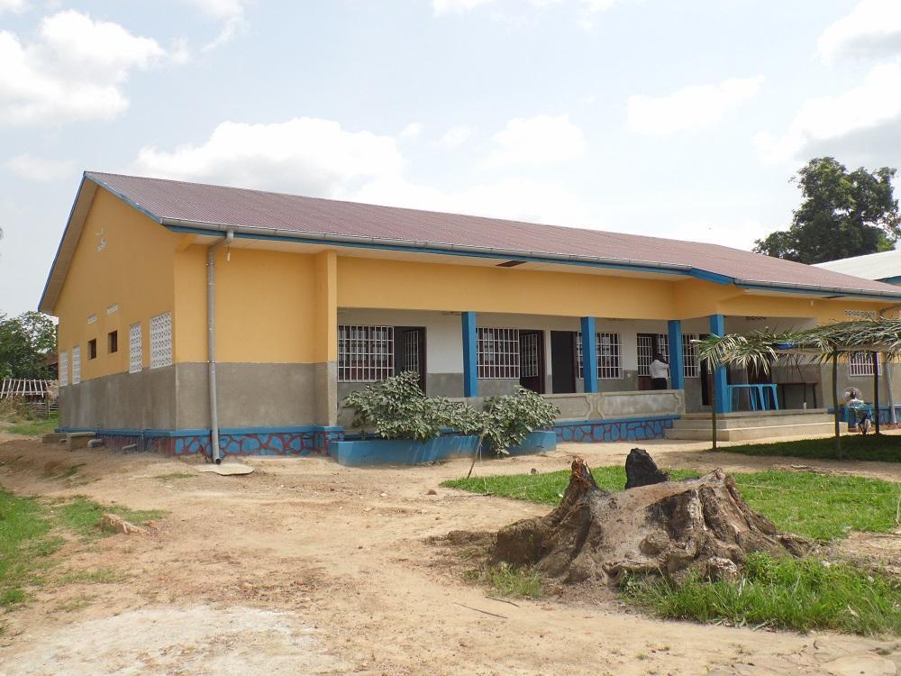 Remise de deux bâtiments à l'inspection de l'agriculture et développement rural à Banalia.