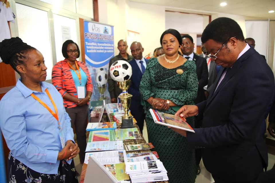 Focus on nutrition: showcasing MB activities to the Prime Minister of Tanzania