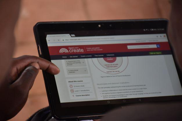 Enabel's First Online Teachers' Course Gains Popularity in Uganda
