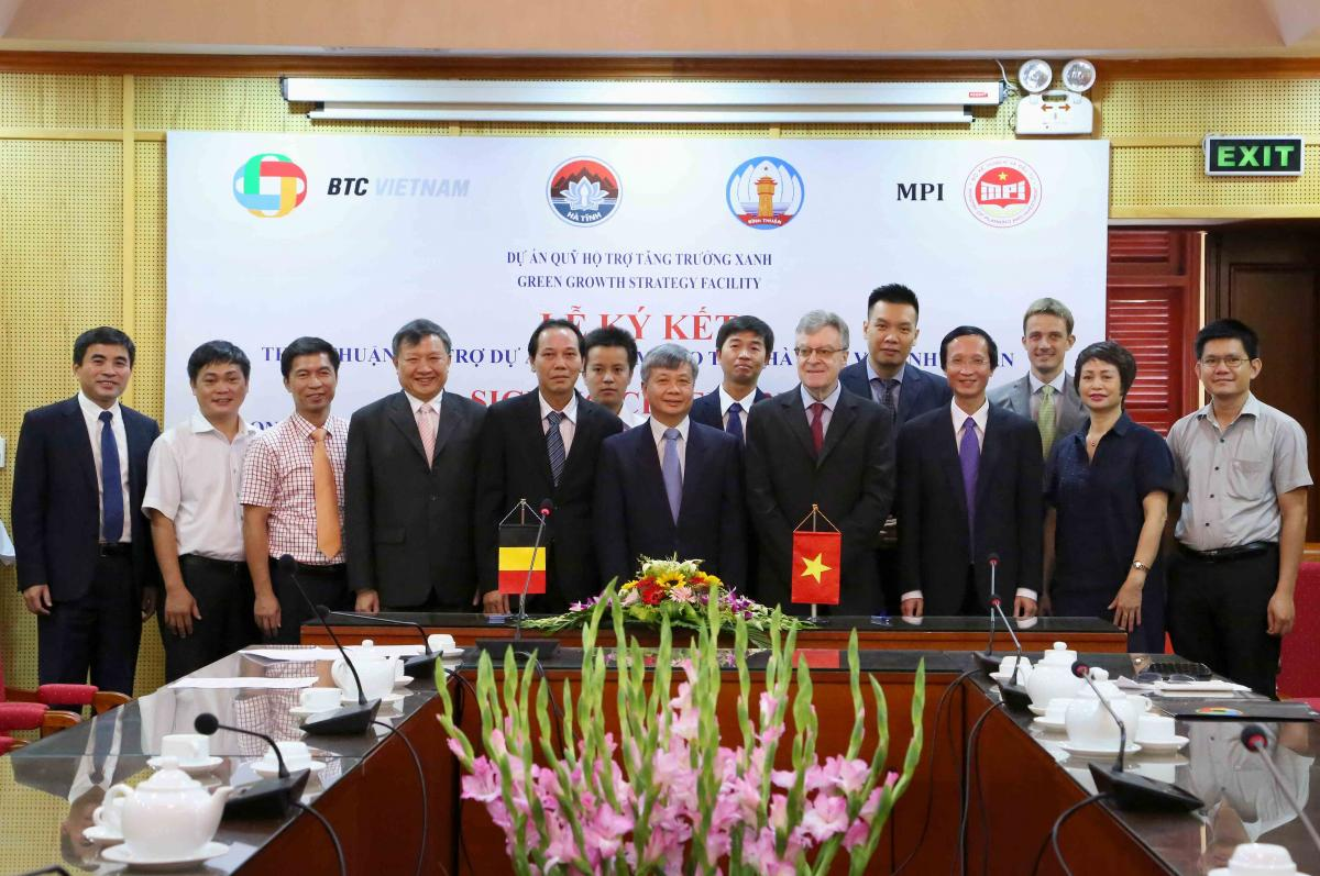 Agreements signed to start 6 Green Growth pilot projects  in 3 provinces of Viet Nam