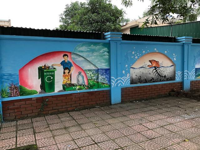 Youth Union in Cuo Lo town created fine interactive mural on environmental protection